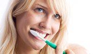 Domaća tinktura od petoprste 'stopira' opasnu parodontozu