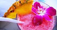 U ljetnim danima ne možete pogriješiti sa salatama i voćnim napitcima