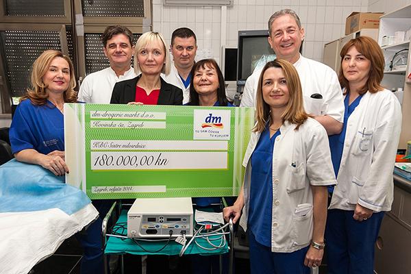 Donacija dm-a Zavodu za gastroenterologiju i hepatologiju