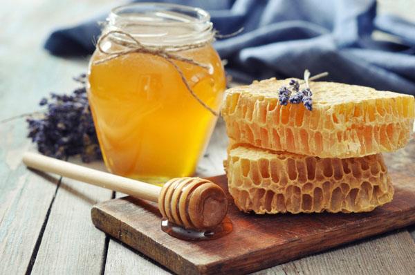10 stvari koje niste znali o medu i pčelama