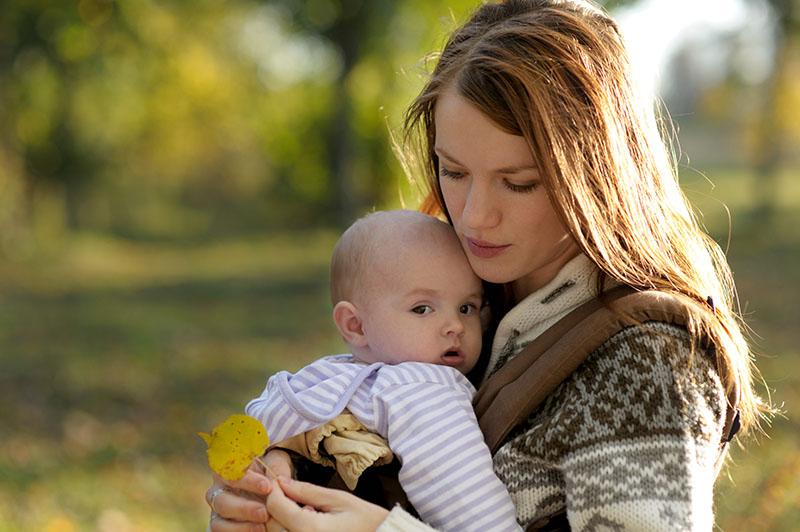 Mama mamu mije - uz žensku se potporu lakše prežive prvi dani s bebom