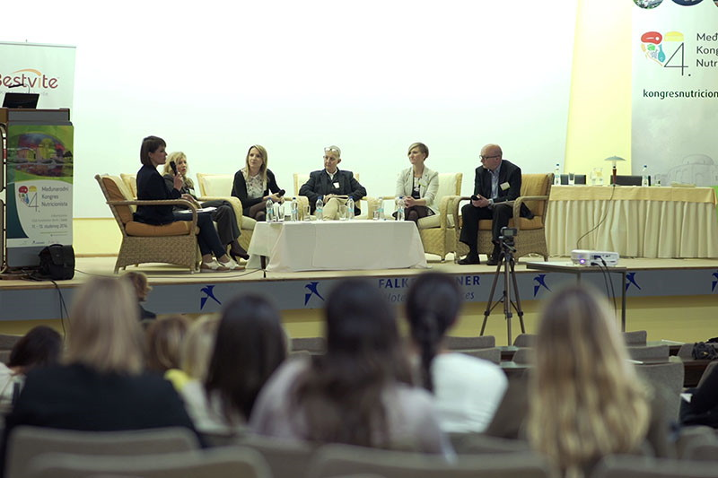 Alenka Brozina: Treba uzeti u obzir prednosti, ali i mane LCHF/Paleo prehrane, sirovojelstva i veganske prehrane