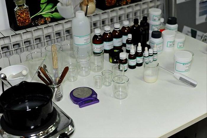 Napravi zubnu pastu s Pranarom eteričnim uljima