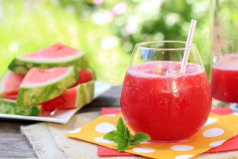 Ananas i lubenica - glavne zvijezde savršenog ljetnog smoothieja