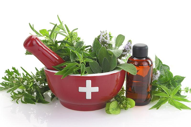 7 eteričnih i biljnih ulja za svaku putnu ljekarnu