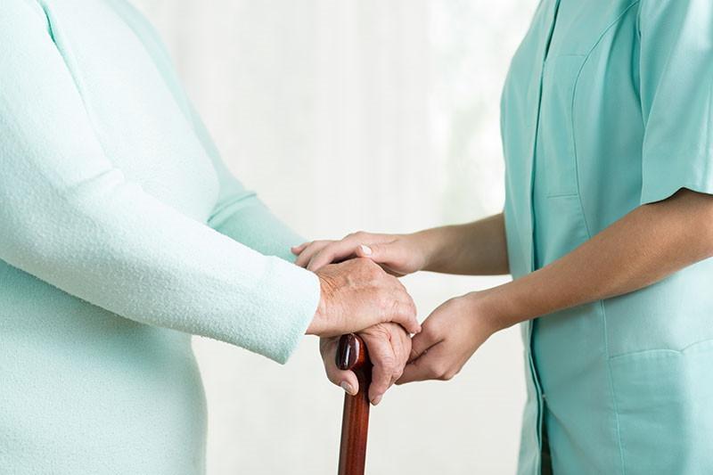 Oporavak nakon moždanog udara: Radni terapeut pomaže pri povratku u svakodnevicu