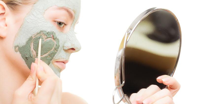 Prirodna maska od gline za