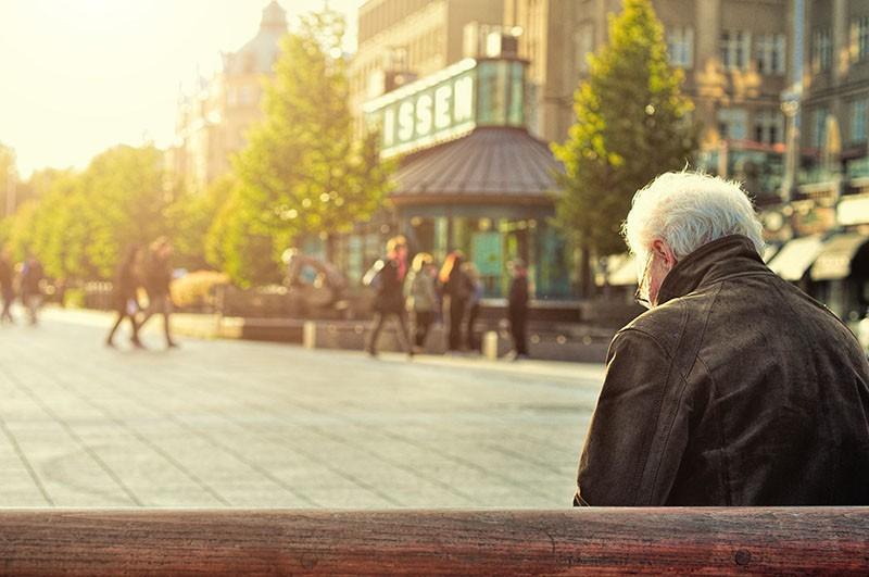 Novi zdravstveni faktor rizika: Usamljenost može biti jednako štetna kao i pretilost