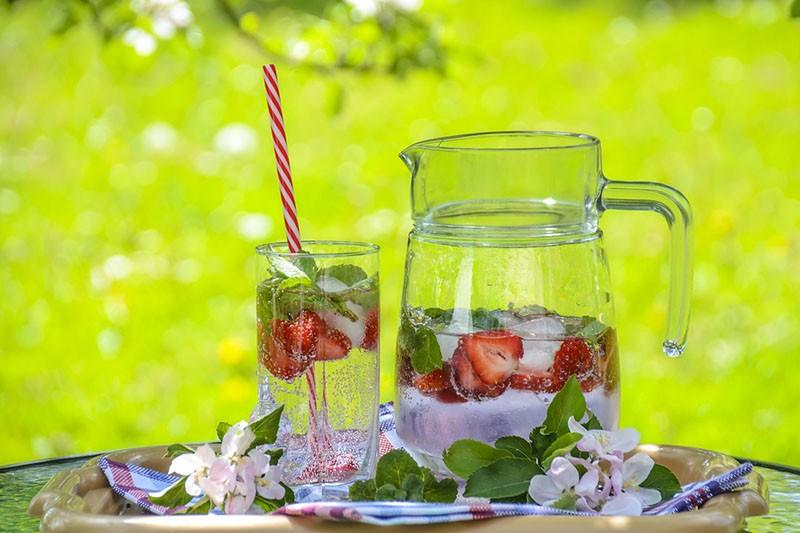 Hidratizira, razbuđuje, energizira: Kako napraviti ultimativni detoks napitak?