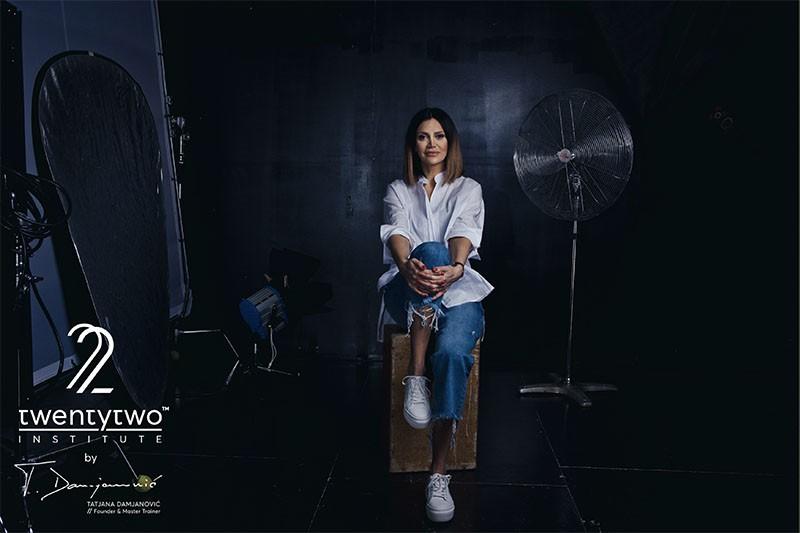 Tatjana Damjanović: Pogled ispod obrva