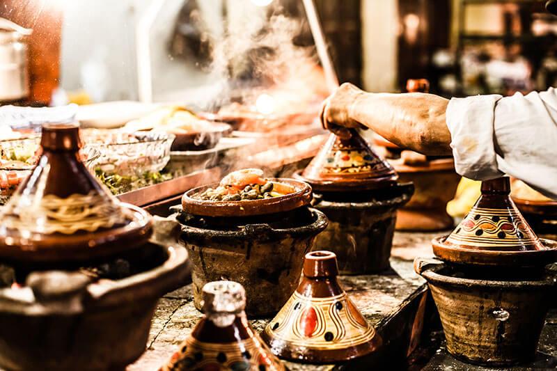 Harira, tagine i kus kus – istraži okuse tradicionalnih marokanskih jela