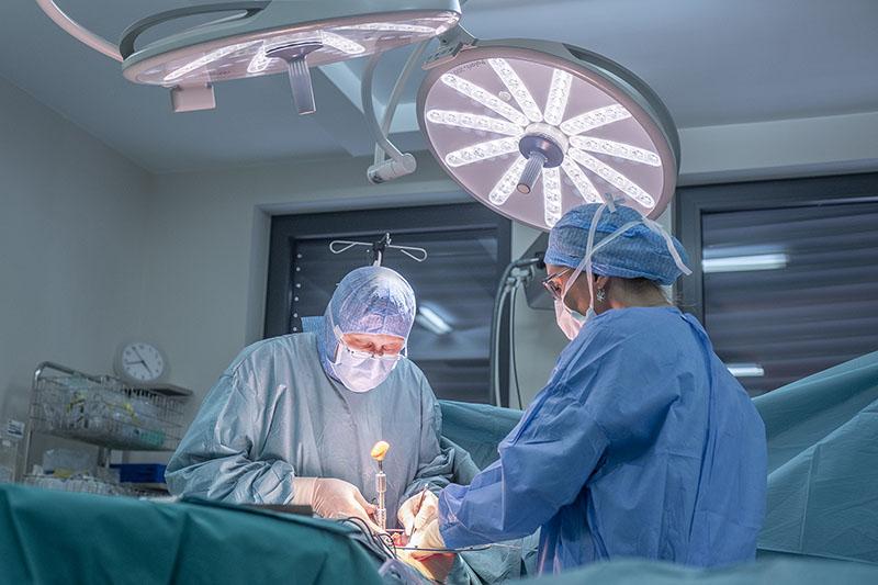 Prof.dr.sc. Vladimir Kovač:  Operacija skolioze danas je minimalno bolna, brza i bez višemjesečnog ležanja