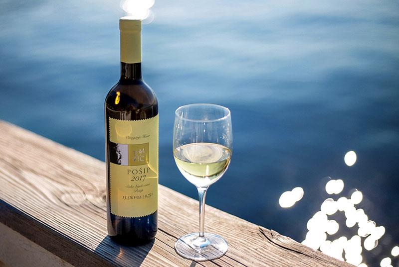 Pošip vinarije Tomić - autohtono bijelo vino koje nosi arome Dalmacije