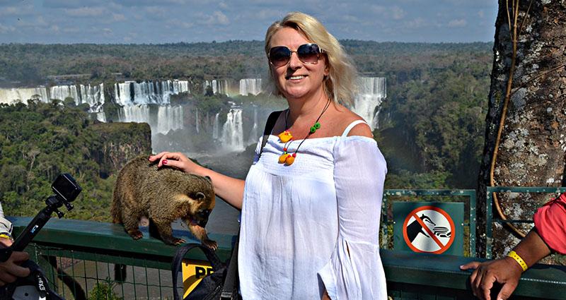 Plavuša u Brazilu: Foz do