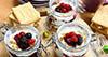 Cheesecake u čaši sa šumskim voćem –