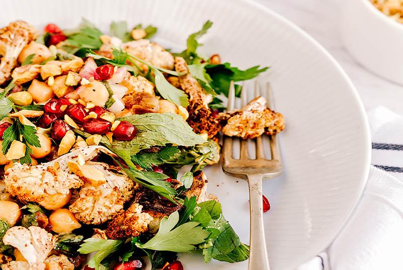 Lagana proljetna salata s cvjetačom i lećom
