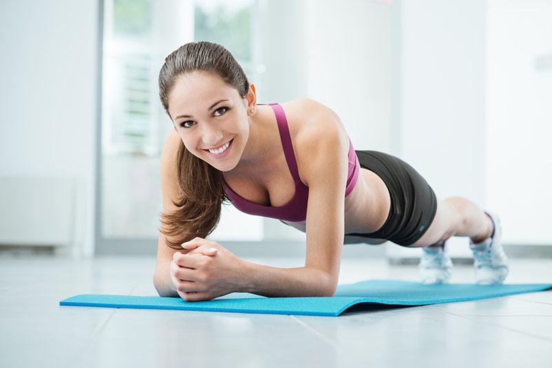 Za noge, jezgru i stražnjicu: 3 seta vježbi koje će olakšati obavljanje svakodnevnih aktivnosti