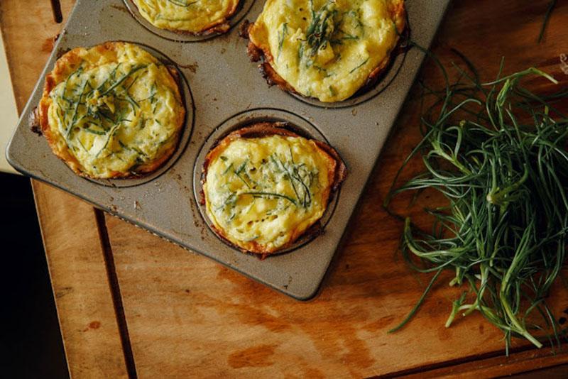 Slasne muffine od jaja i slanine možete pripremiti i na roštilju