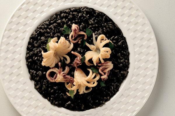 Crni rižoto od sipe s prošekom