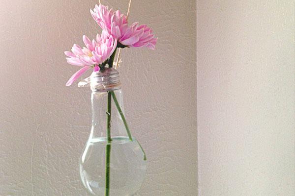 Sami napravite viseće vaze od žarulja