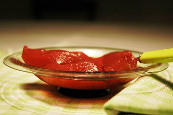 Suho i svježe voće u kuhanom vinu