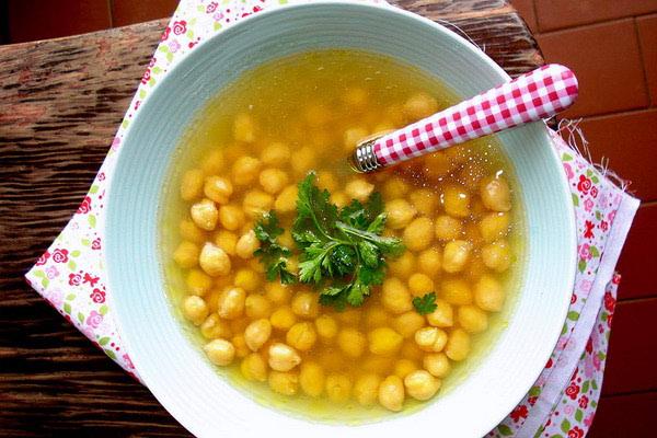 Dalmatinska juha od slanutka