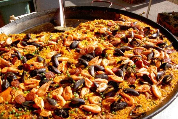 Paella s plodovima mora